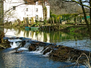 """Grand Morin river in Crecy la Chapelle near Paris"""