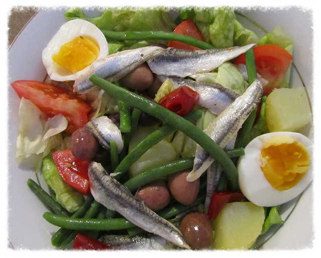"""A full plate of Salade Niçoise"""