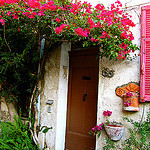 """A small house in an alley in Antibes"""