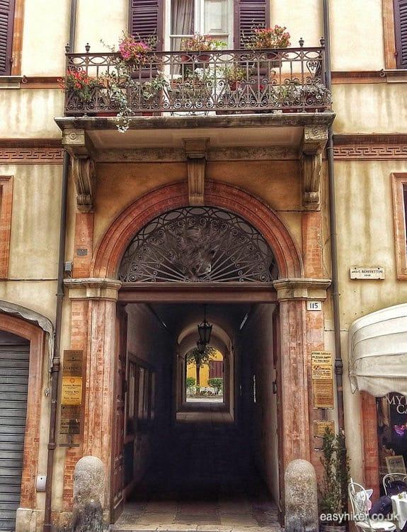 """house where he lived that he remembers - Rimini of Fellini"""