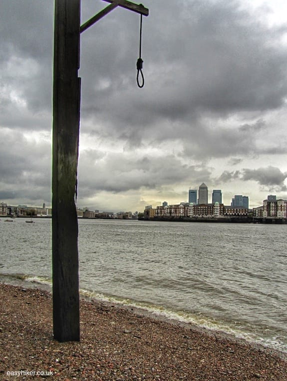 """gallows by the Thames - Cambridge Five in London"""