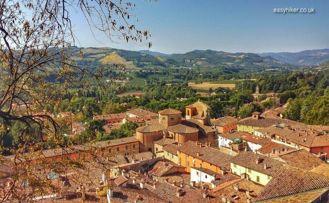 """the rooftops of Brisighella - walks in Emilia-Romagna"""