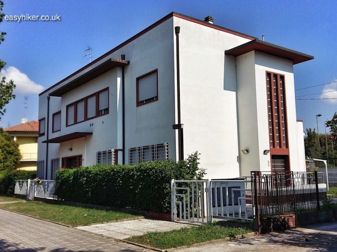 """Fascinated by Fascist Architecture - ordinary house in Tresigallo"""