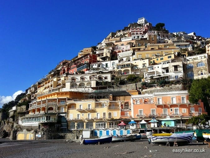 """stop by Positano to get the best out of the Amalfi coast in a day"""