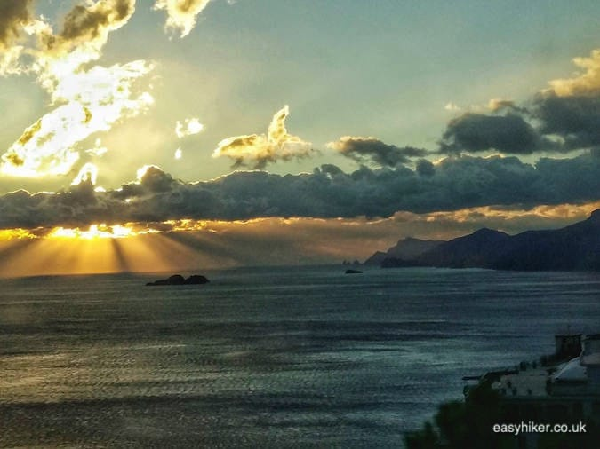 """watch a sunset and get the best out of the Amalfi coast in a day"""
