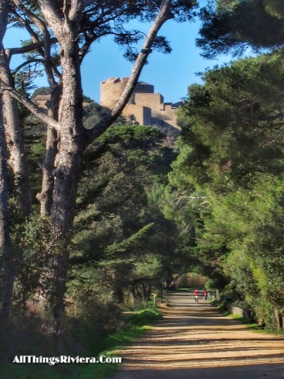 """visit Fort Agathe when hiking or biking in Porquerolles"""