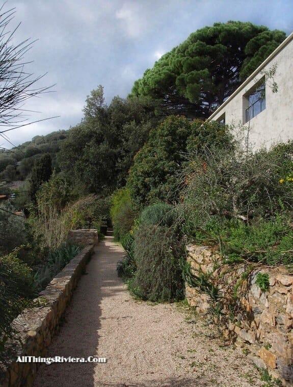 """Parc Saint Bernard in Hyères - Idyllic Garden"""