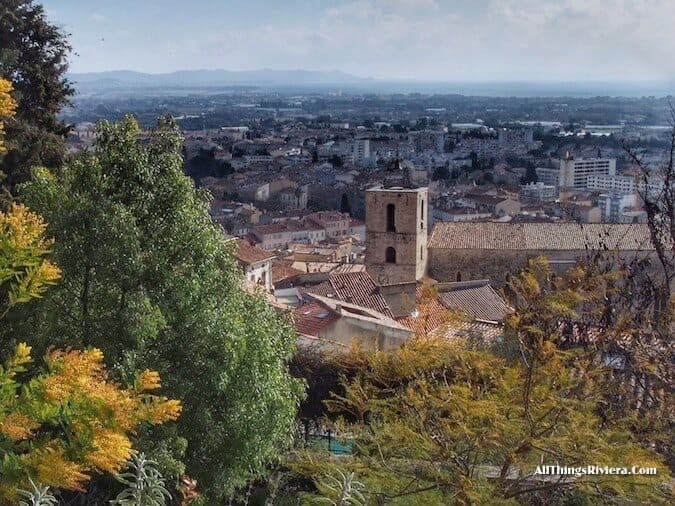 """town views of Hyères - Idyllic Garden"""