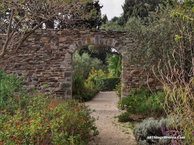 """""""Castel Sainte Claire in Hyères - Idyllic Garden"""""""