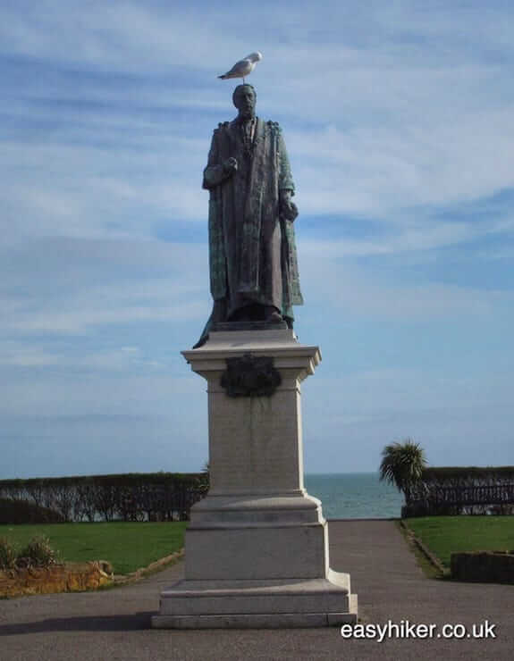 """George V statue along the coastal culture trail"""