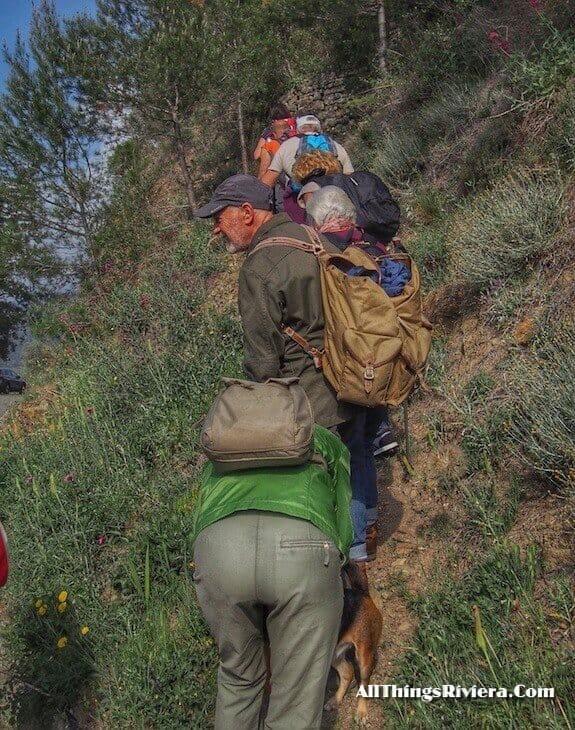 """""""VivaItalia Club group on a a lovely spring hike"""""""