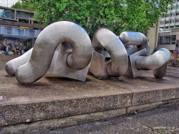 """sculpture as playground - Modern Sculpture in Public Spaces"""