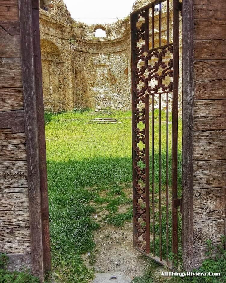 """church ruins in Baiardo - easiest of easy hikes in Liguria"""