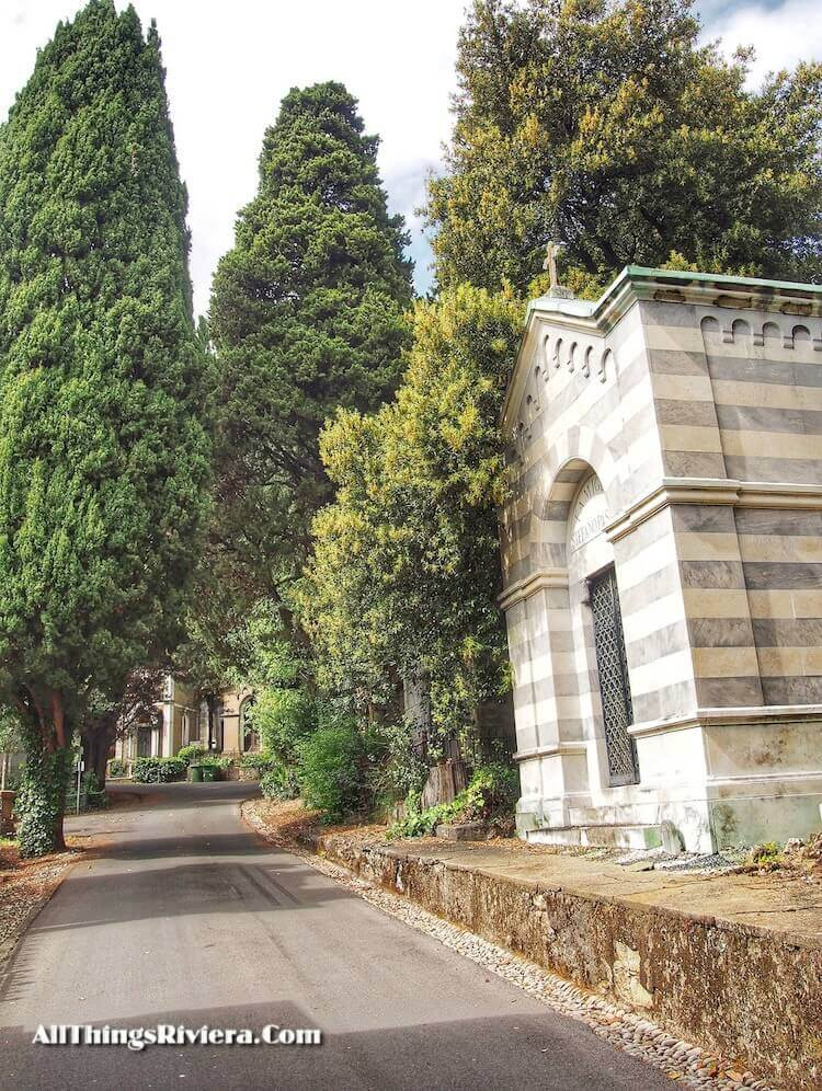 """""""alleys of Staglione - Cemetery as One of the Wonders of the World"""""""