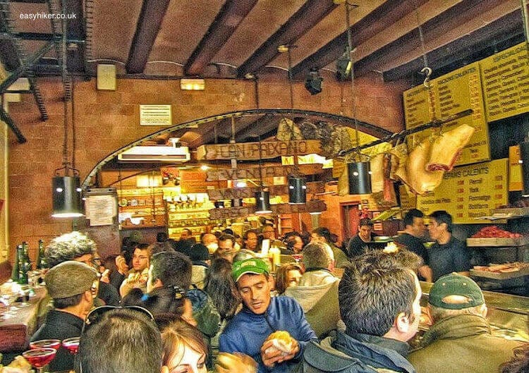 """""""find where locals flock to eat to ensure hiking daytrip success"""""""