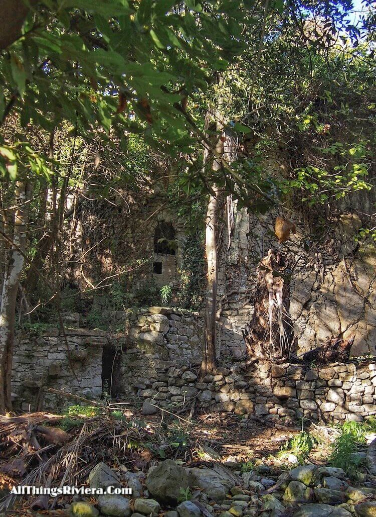 """""""abandoned villa along a Fascinating Hike in Sasso"""""""