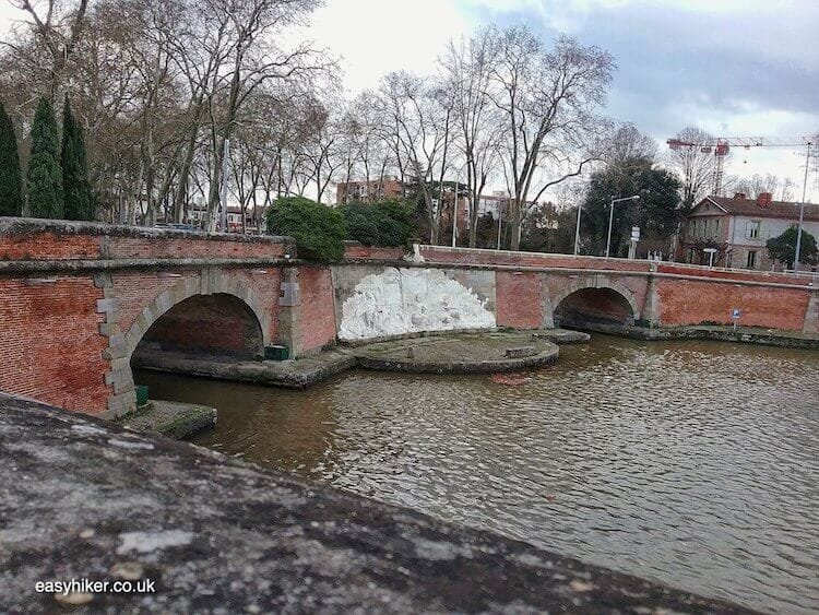 """two canals meet - Hiking Part of Canal du Midi in Toulouse"""