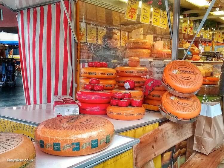"""Wheels of cheese - brighten up Dutch Midwinter Blues"""
