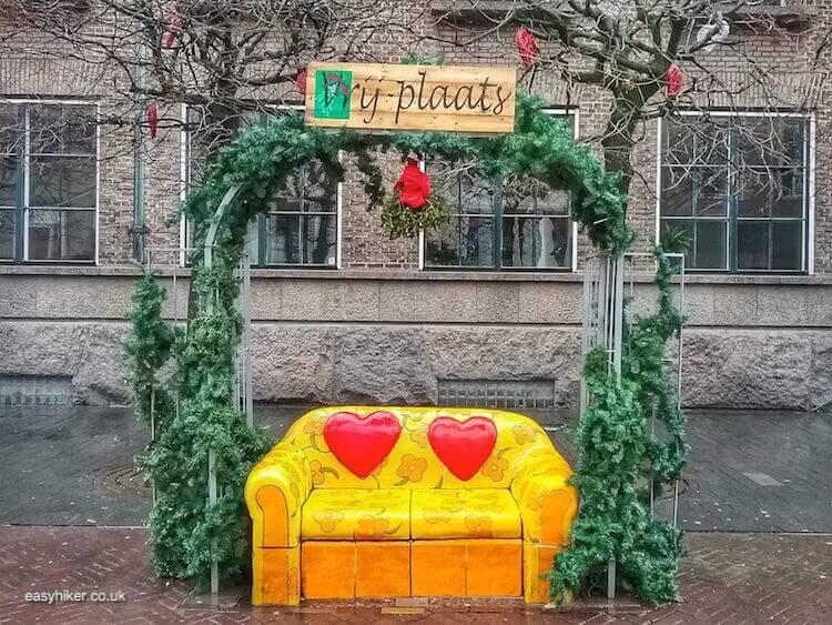 """bright sofa - brighten up Dutch Midwinter Blues"""